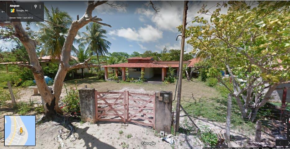 Casa em Japaratinga a poucos segundos da praia