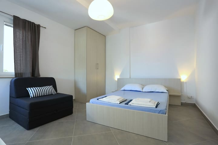 New & Modern studio apartment Lana