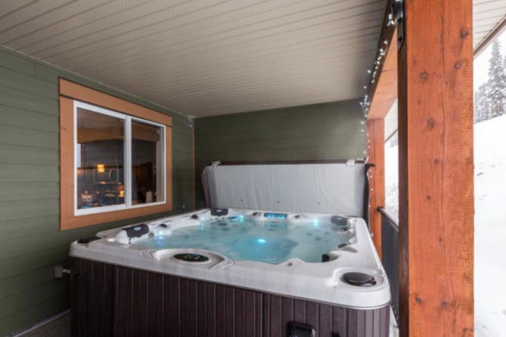 Hot tub on back deck (this is where guests can access the ski hill directly onto Serwa ski run which will take you to the bullet chair or into the village via lift)  •Plenty of pool towels provided for hot tub designated use.