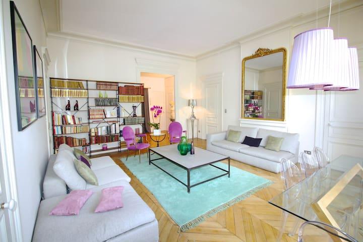 Paris Lyrique, 3 BR / 2 BA, 6 people, 1290 sq ft