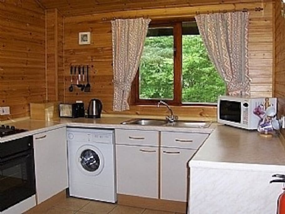 Fully fitted kitchen for all your needs