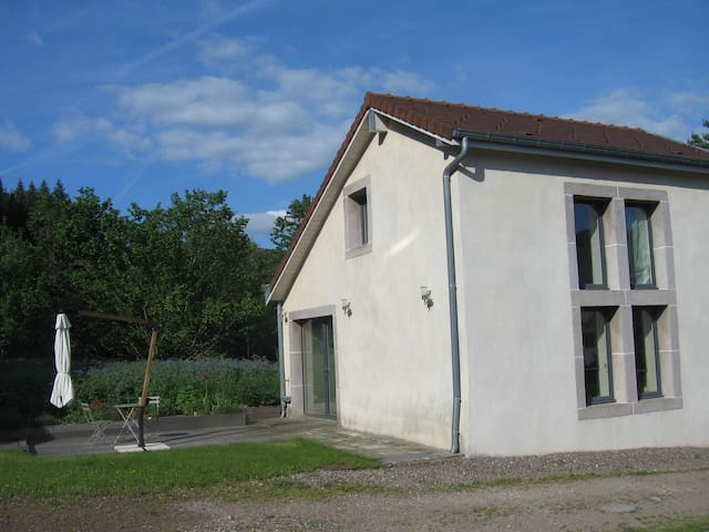 Lovely little cottage - Amont-et-Effreney - Casa