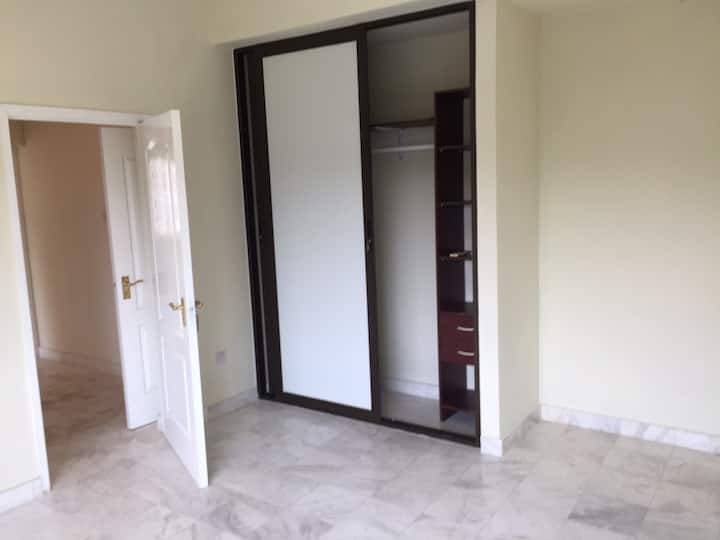 5 BR unfurnished Property To Let / Sale