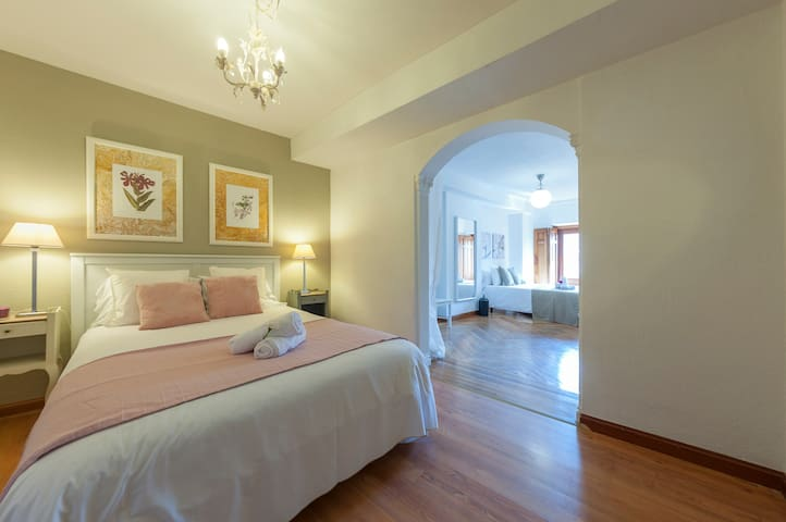 CALLE MAYOR & PUERTA DEL SOL - MAGIC APT (WIFI/AC)