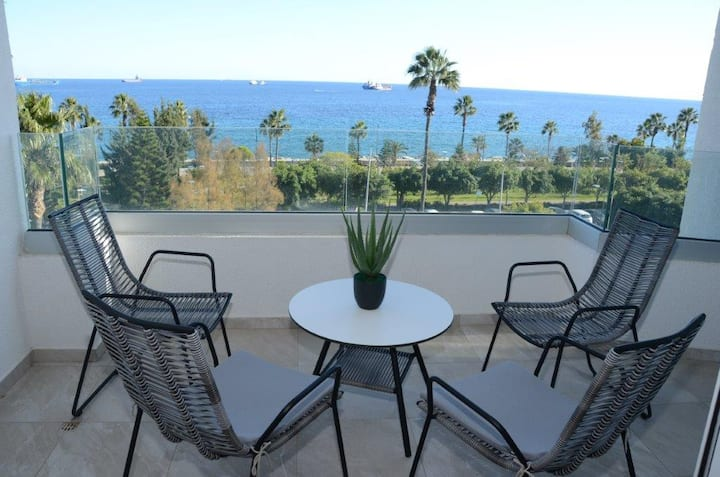 Golden Seaview Limassol Apartment