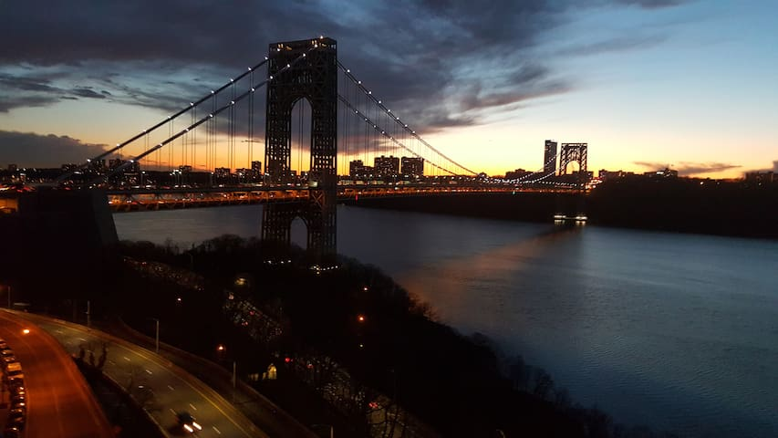 Beautiful View of Hudson and City - New York - Lägenhet