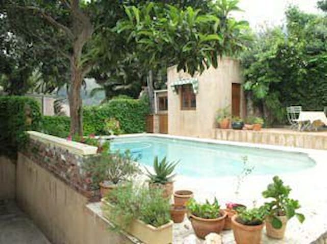 Spacious open plan house,quiet area - Cape Town - House