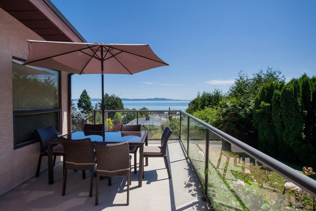 Stunning Ocean View With Fireplace Houses For Rent In Victoria British Columbia Canada