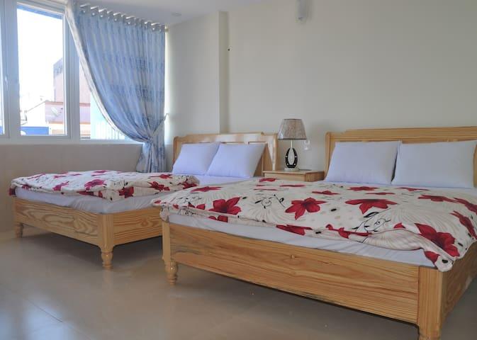 Superior Quadruple Room 302 - Hoang Nguyen Hotel