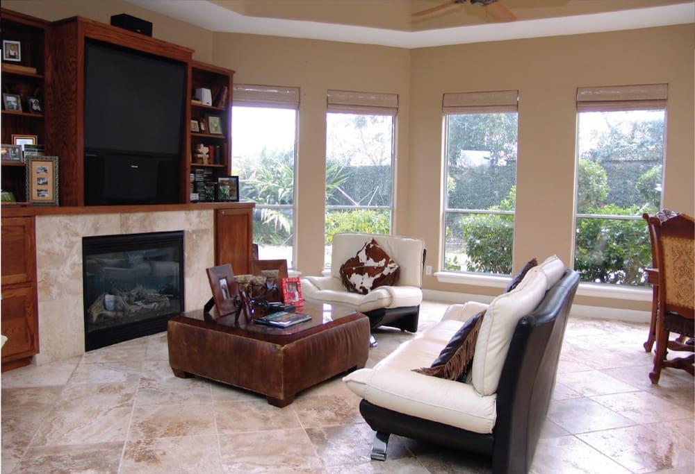 Living room overlooking pool