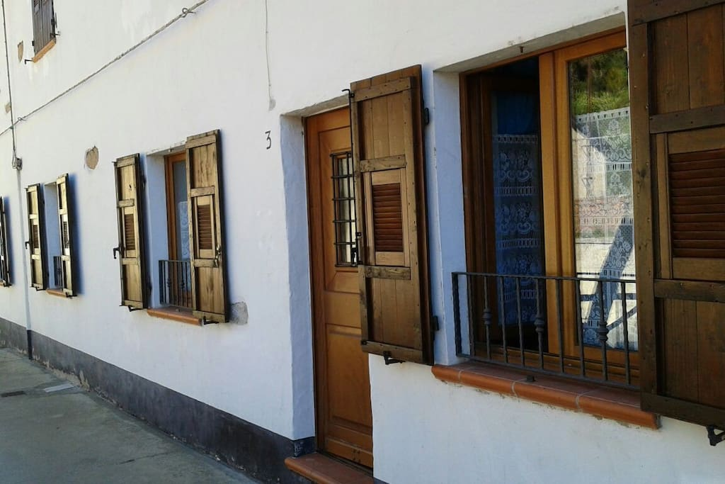 Front entrance to the apartment.
