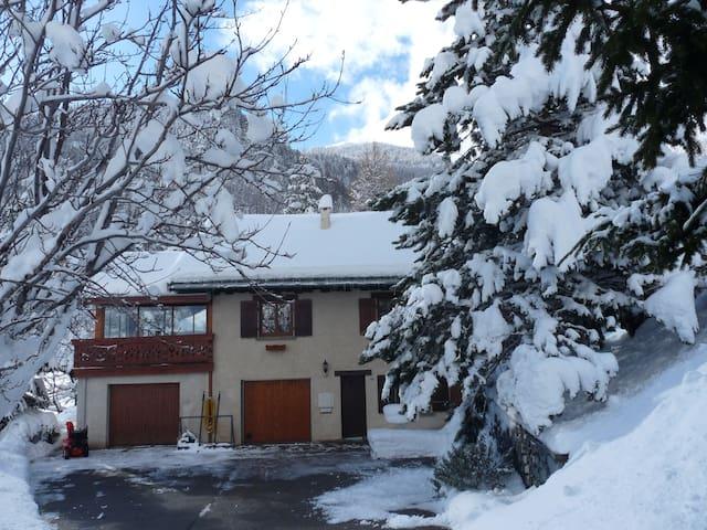 studio à la montagne - Montricher-Albanne
