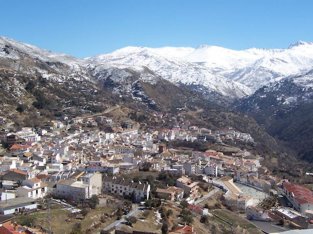 Apto. en Güèjar Sierra (Granada) - Güéjar Sierra - Apartment