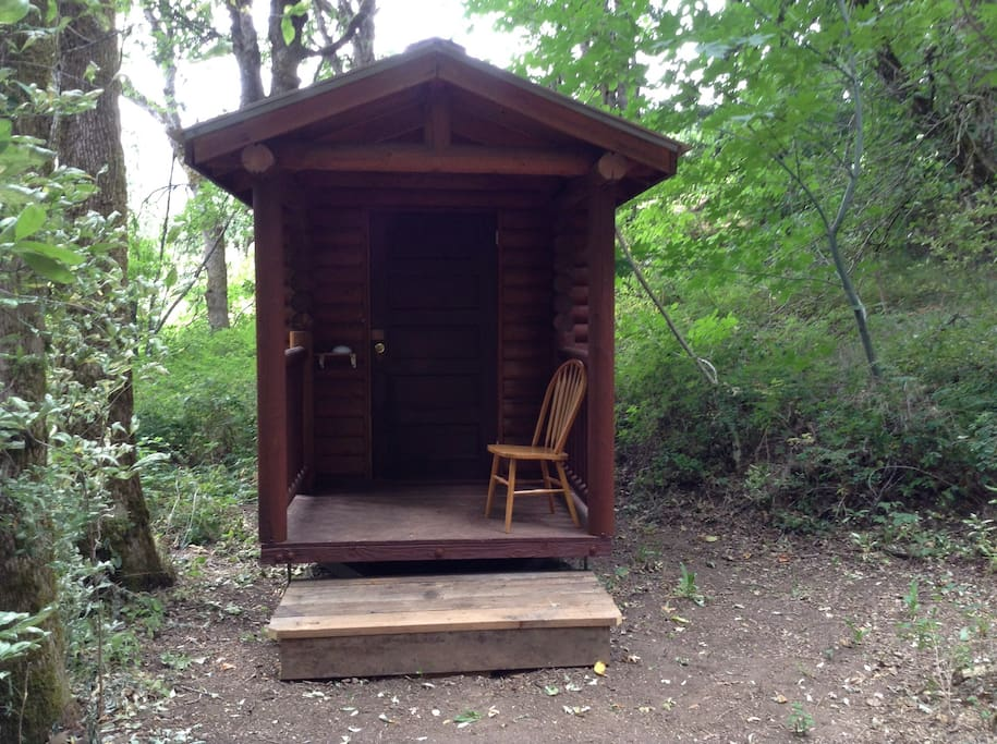 Single Log Cabin In The Woods Cabins For Rent In White