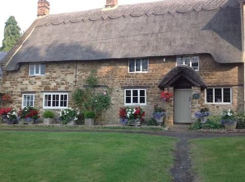 Peaceful Cottage on Abthorpe Green