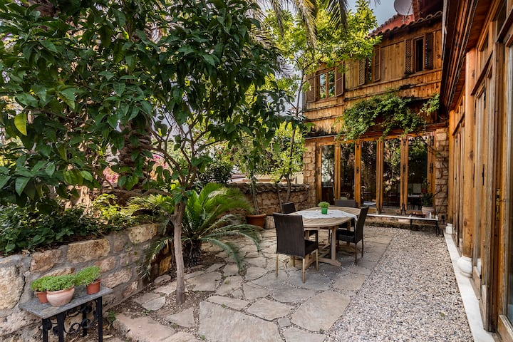 Luxury Authentic Villa With Garden in KALEİÇİ