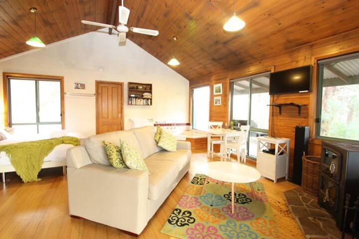 MoonRise Cottage private & secluded - Hordern Vale - กระท่อม