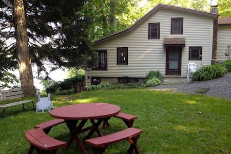 Peaceful  Cottage on Owasco Lake - Moravia - Huis