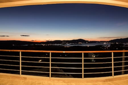 Luxury Penthouse with sea & sunset views / Pool - Kavač - Daire