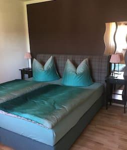 Ferienzimmer in Texas bei Hagenow - Kirch Jesar - Appartement