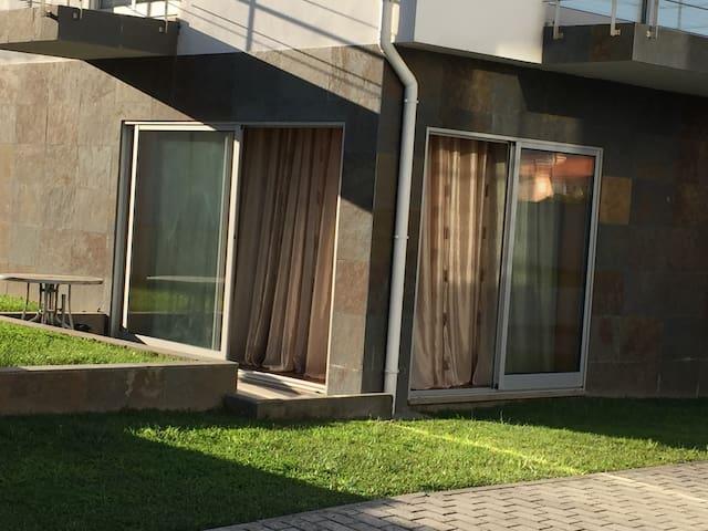 Apartamento T2 confortável- condomínio com piscina - Braga - Byt