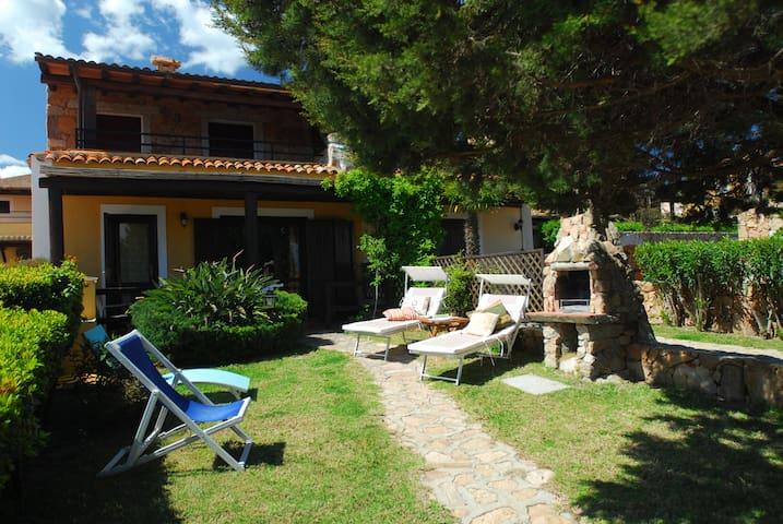Casa Giuseppe, 3 Zimmer Wohnung und Garten - Porto Pollo - Apartemen