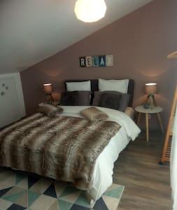 COSY Bedroom centre de Narbonne+ petit déjeuner