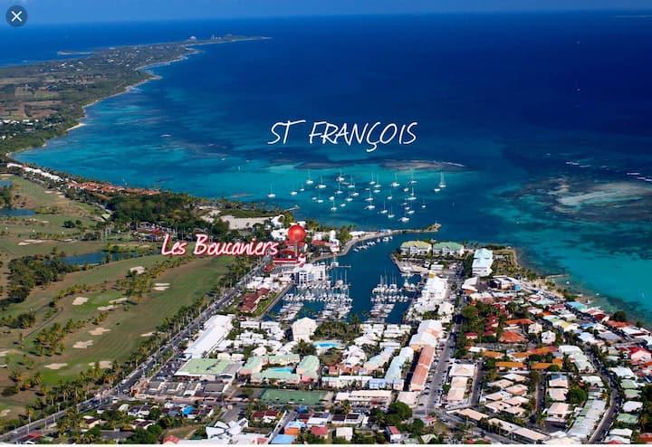 T1 Bis au cœur de la Marina et Golf - St François