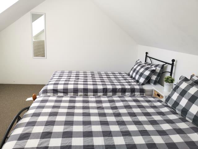SYDNEY CBD HOME(♥)HOME TWIN Room in Super LOCATION