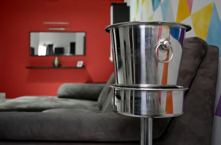 ART APART -  Modern Budget Apartment! SLIEMA