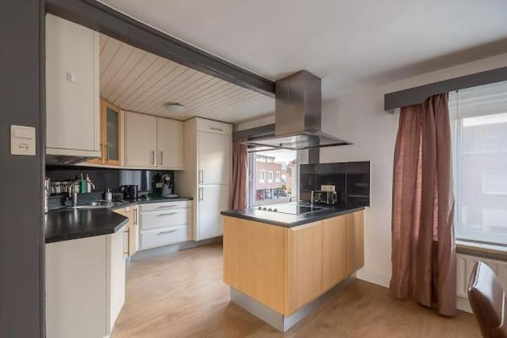 Spacious, modern apartment for 6 adults