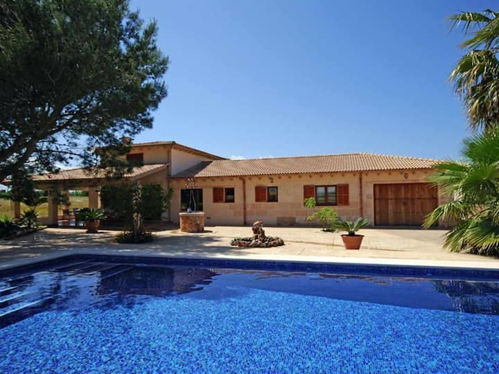 Modern country house with pool and mountain views 2 km from the sea