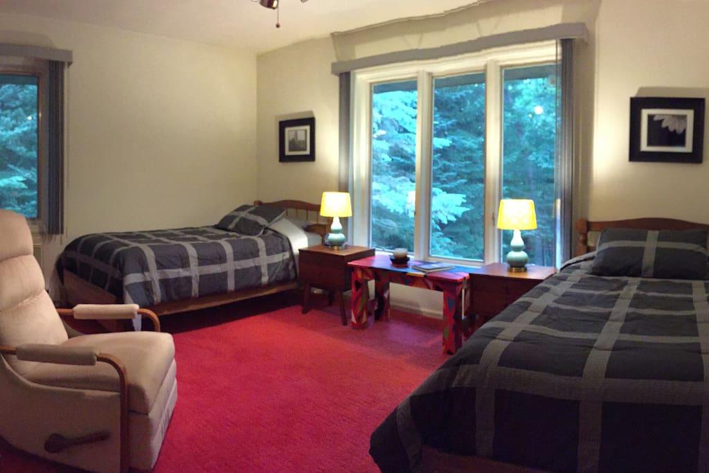 Private red carpet - main level