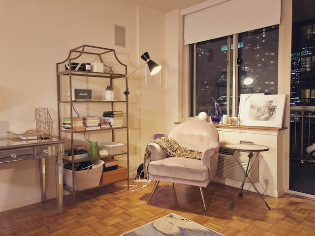 Luxury apartment, adjacent NYC