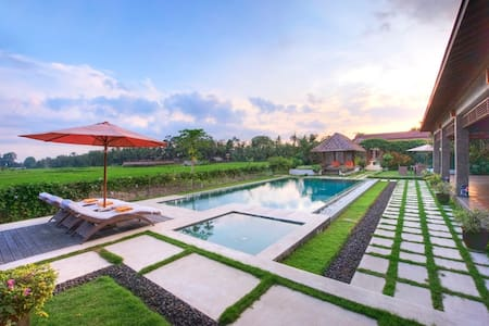 Stunning Rice filed View 3 Bedrooms Villa In Ubud! - Ubud - Apartment