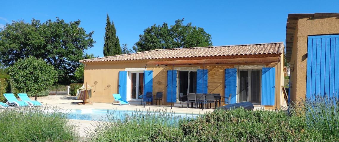 Spacious single-storey villa with private pool - Belvézet - Villa