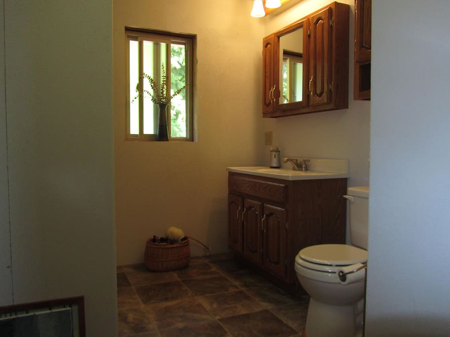 Shared Bathroom with Tub/Shower