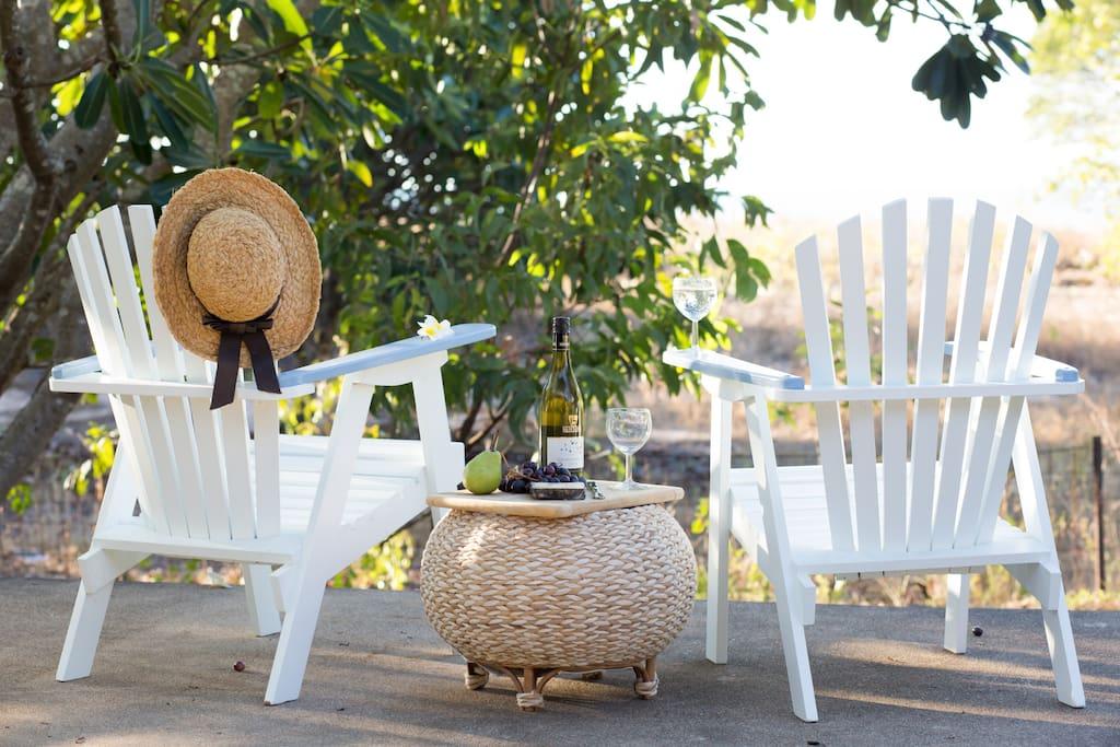Light breezy beach front retreat escape relax - Large summer houses energizing retreat ...