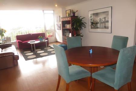 Beautiful room, BEST location in town! - Bogotá