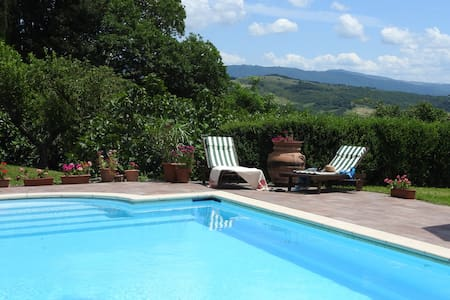 Beautiful Manor House with 12m private Pool - Caprese Michelangelo - 別荘