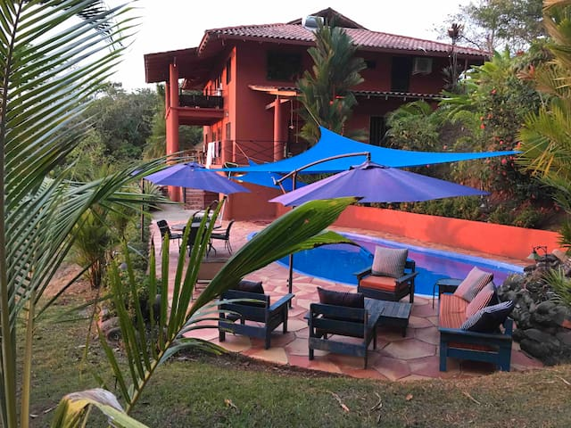 Casa del Arte! Ocean, Wildlife, Rain Forest Views!