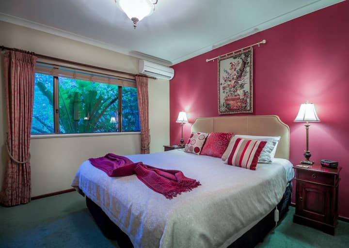 Redgate King Room & breakfast Rosewood Guesthouse