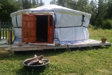 Mongolian Yurt, nicely equipped on a goat farm! - Jurta