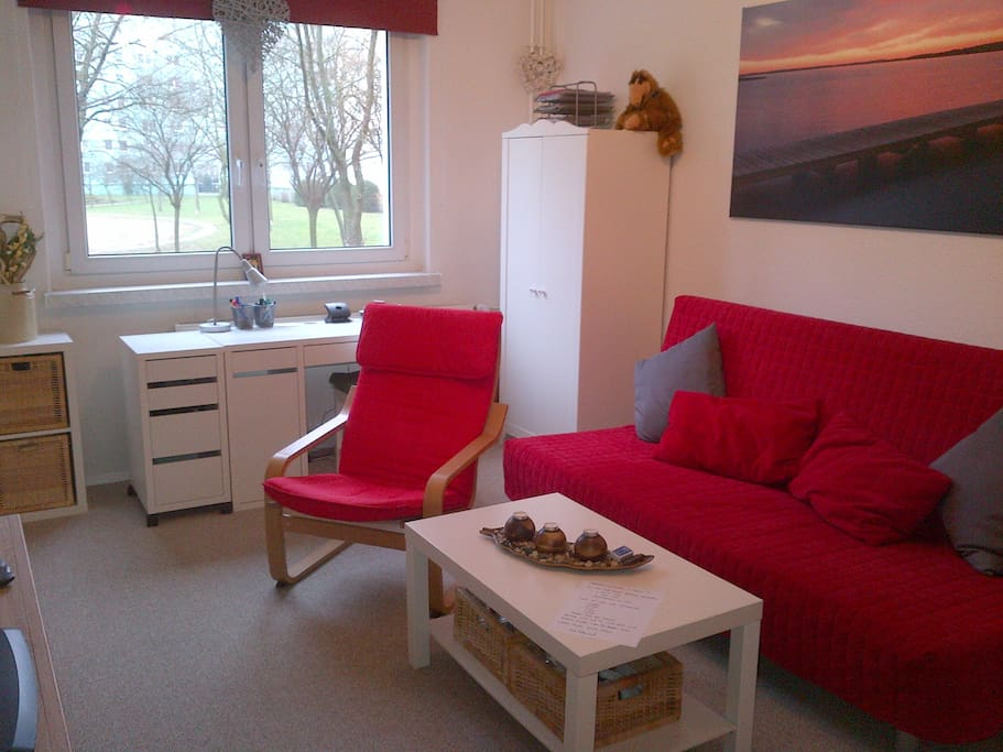 moderne 1 zimmer k che bad whg 3 4 schlafpl tze wohnungen zur miete in berlin berlin. Black Bedroom Furniture Sets. Home Design Ideas