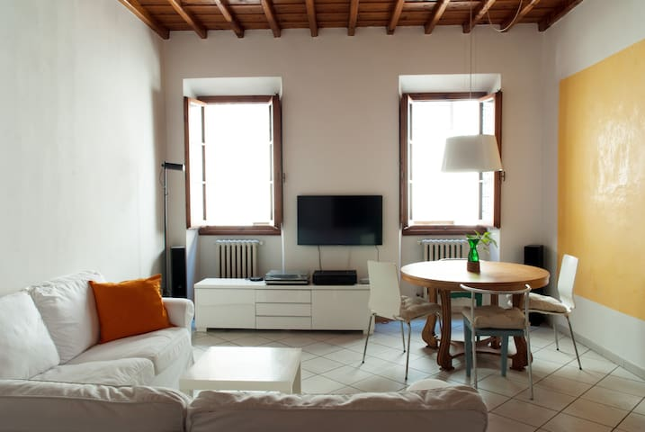 Central Apartment Uffizi - Free wifi