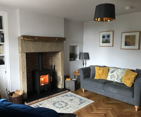 Beautiful 1 bedroom cottage  New luxury renovation
