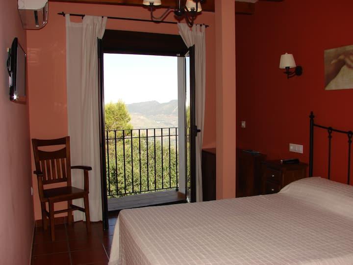 """Habitación con baño """"Sierra de Segura"""""""