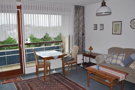 1 Raum Appartement mit Balkon, strandnah, zentral - Büsum - Apartmen