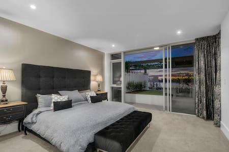 Apartment on the Brisbane River - Newstead