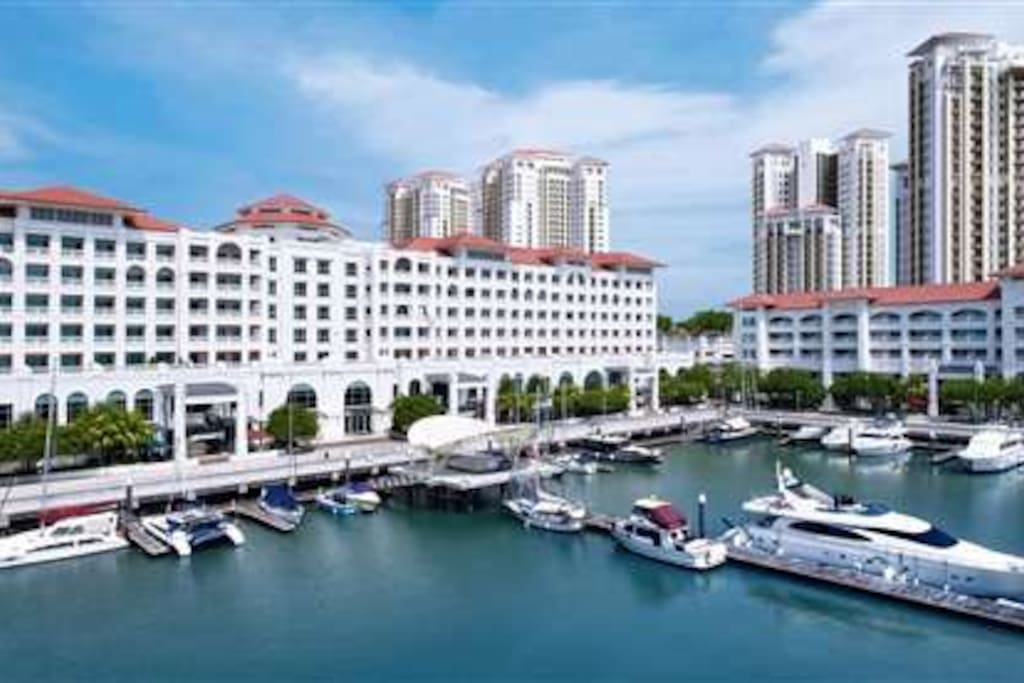 The Suite @ Straits Quay - Day View from Marina